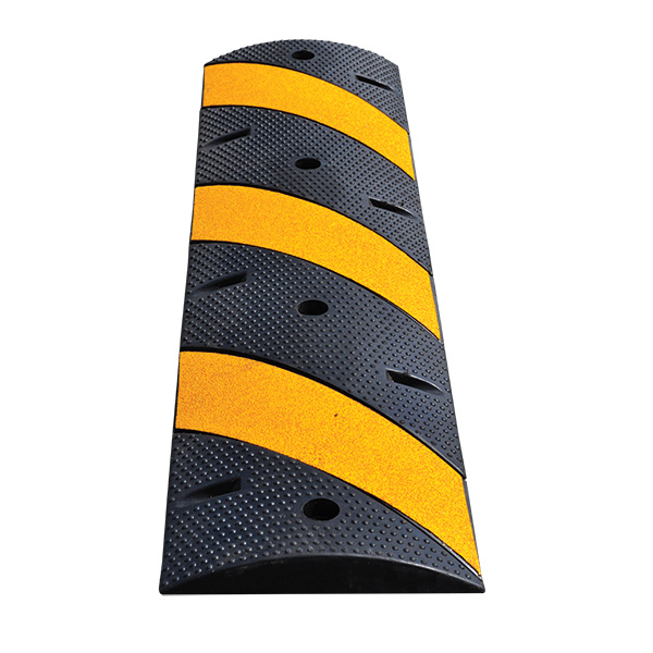 """TruForceâ""""¢ Speed Bump, 48""""L x 2 1/4""""H x 12""""W, Yellow/Black"""